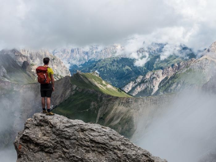 hiking-men-standing1x