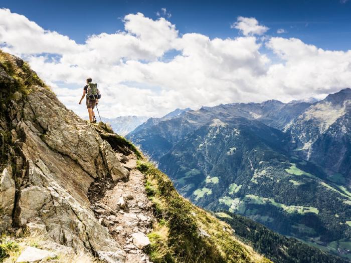 hiking-men1x
